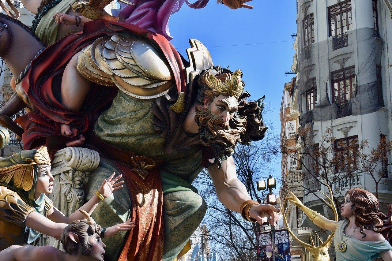 manteletas de fallera en Valencia